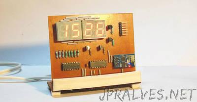ESP8266 Desktop Clock (WiFi Synchronised!)