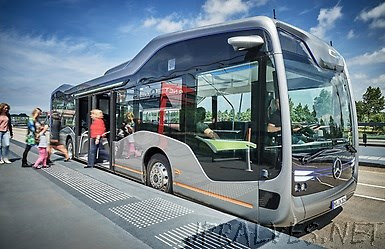 World premiere: Mercedes-Benz Future Bus with CityPilot – a milestone on the way to the autonomous city bus, and a revolutionary mobility system for the future