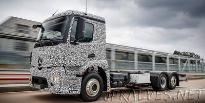 Mercedes-Benz is presenting the first fully electric truck for heavy distribution operations
