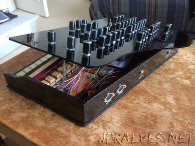 Vintage Toy Synthesiser