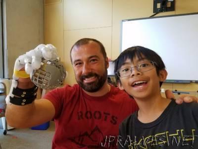 Nine-year-old boy prints a mechanical hand for his teacher