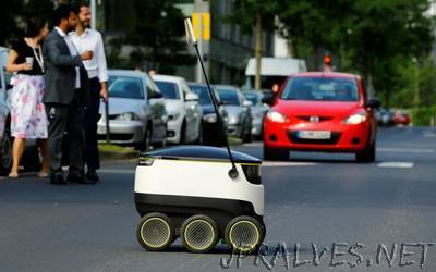 German retailer Media Markt tests home delivery by robot