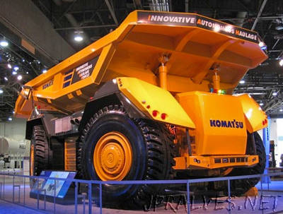 This Giant Autonomous Dump Truck Doesn't Have a Front or Back