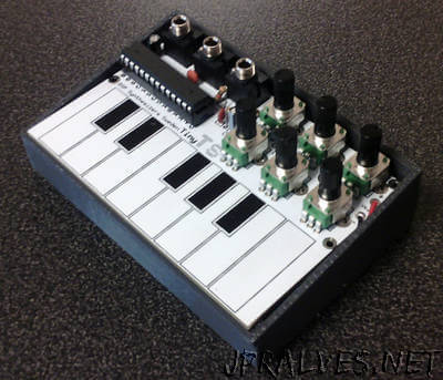 The TinyTS – DIY Synth