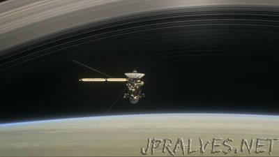 Cassini to Begin Final Five Orbits Around Saturn