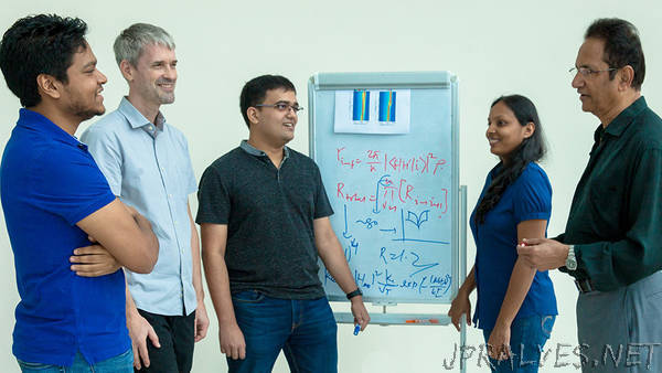 Research team led by NUS scientists breaks new ground in memory technology