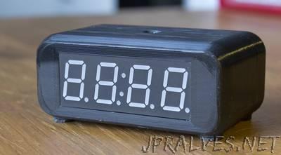 Simple Arduino based digital clock
