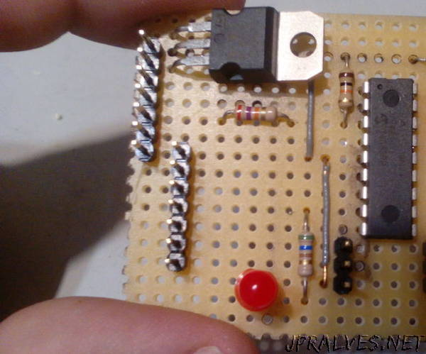 Cheap And Easy Picaxe Robot Board With Serial Cable