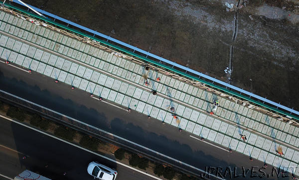China to build the world's first photovoltaic highway opened to traffic by the end of the vehicle mobility will be achieved