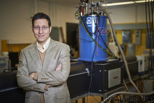 Waterloo chemists create faster and more efficient way to process information