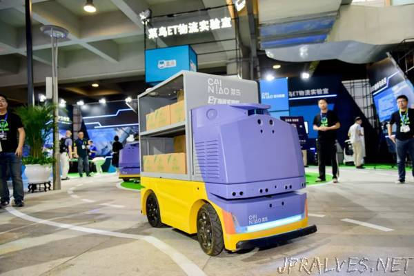 Alibaba made a driverless robot that runs 9 mph to deliver packages