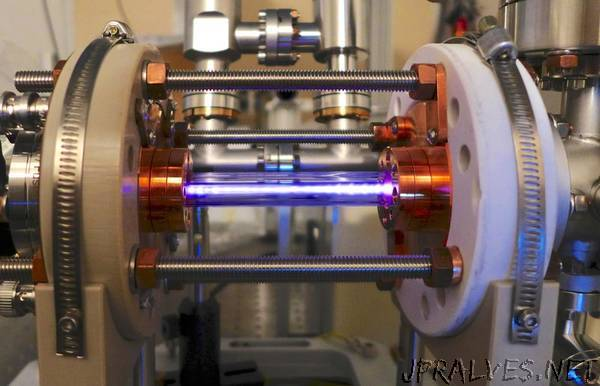 World record - Low-draft electron bunches drive high plasma wakes