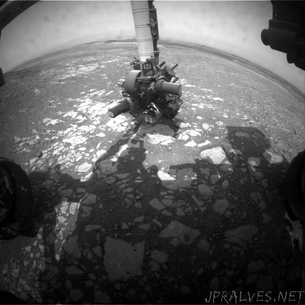 Sol 2204: Curiosity science is baaaack!