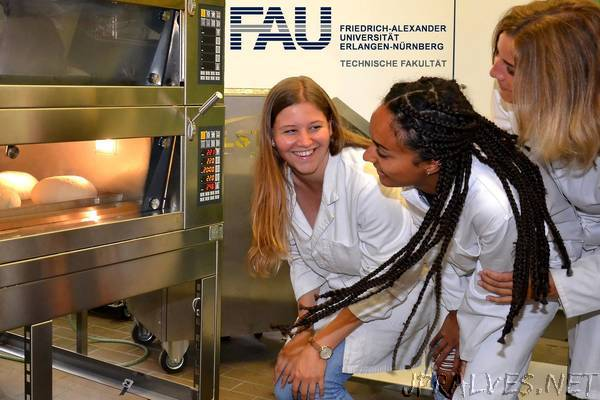 FAU researchers develop new baking method for improved energy efficiency in ovens
