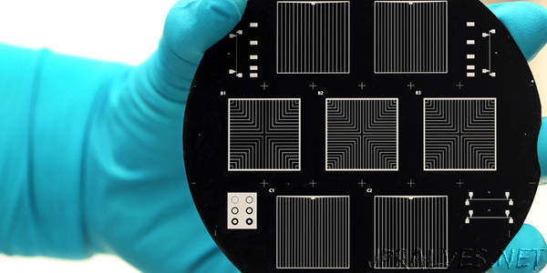 Tandem solar cells must be efficient and sustainable