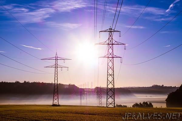 Hybrid electricity system would reduce rates, improve service