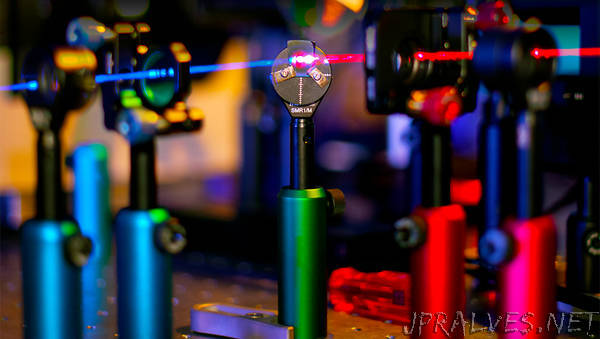 New tunable nanomaterials possible via flexible process invented by University of Bath physicists