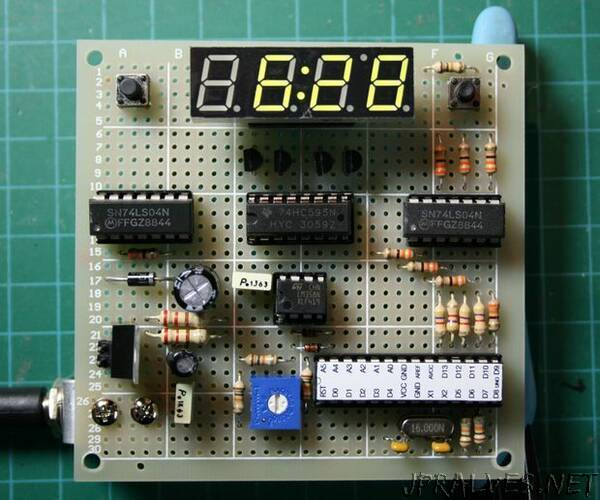 Arduino Digital Clock Synchronized by the 60Hz Power Line