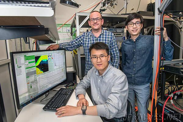 Hybrid Nanostructure Steps Up Light-Harvesting Efficiency