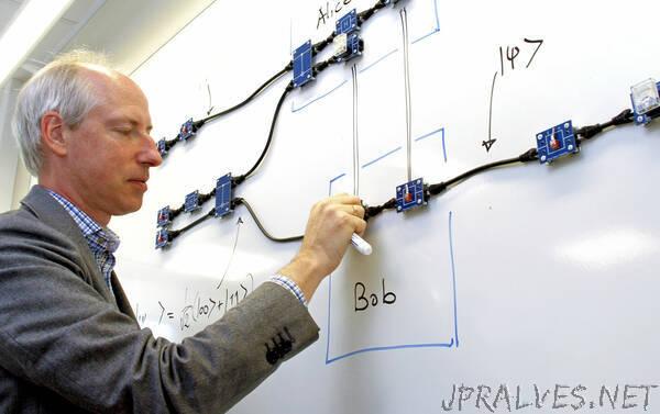 Spreading light over quantum computers
