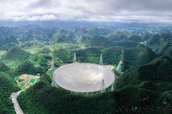 Gigantic Chinese telescope opens to astronomers worldwide