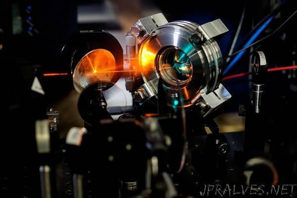 NTU Singapore and Dutch scientists show how perovskite solar cells can capture more electricity