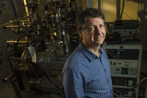 Molecular eraser enables better data storage and computers for AI