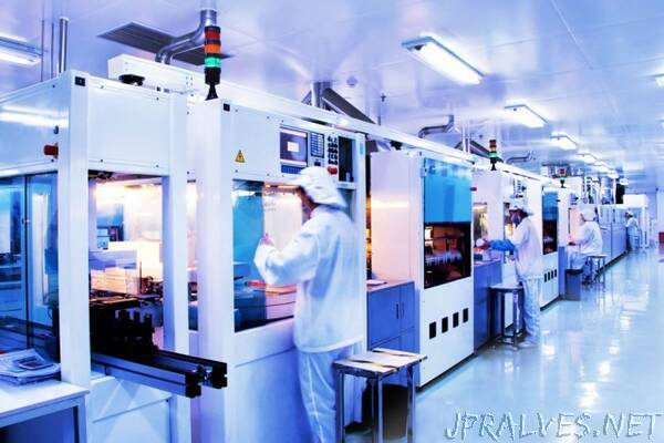 For cheaper solar cells, thinner really is better