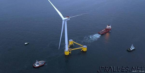 The second platform of the WindFloatAtlantic has set off from the Port of Ferrol